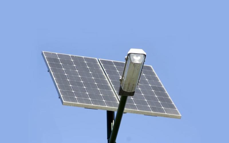 U Španjolskoj razvijene ulične lampe koje koriste solar i vjetar za rasvjetu