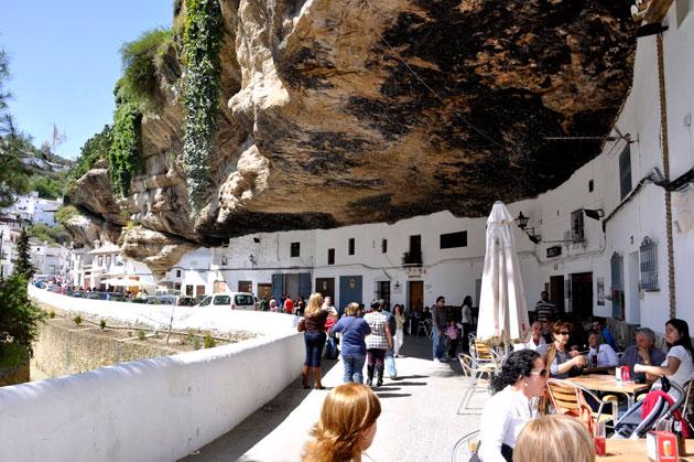 Setenil de las Bodegas: Grad ispod stijena