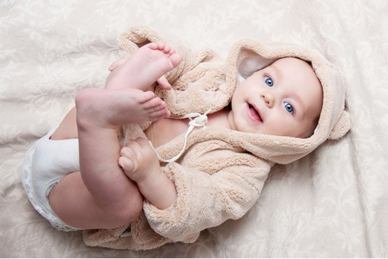 Sedam bespotrebnih stvari koje mame pružaju prvim bebama