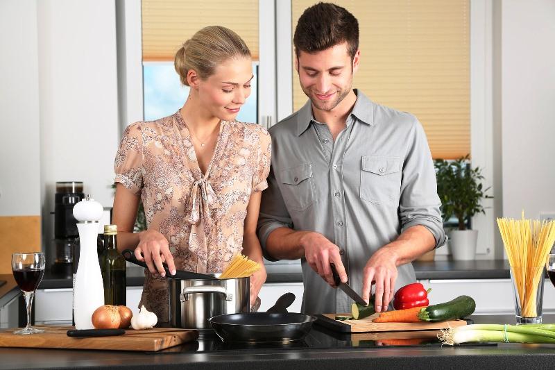 Trikovi u kuhinji za početnike koji će vam olakšati spremanje jela