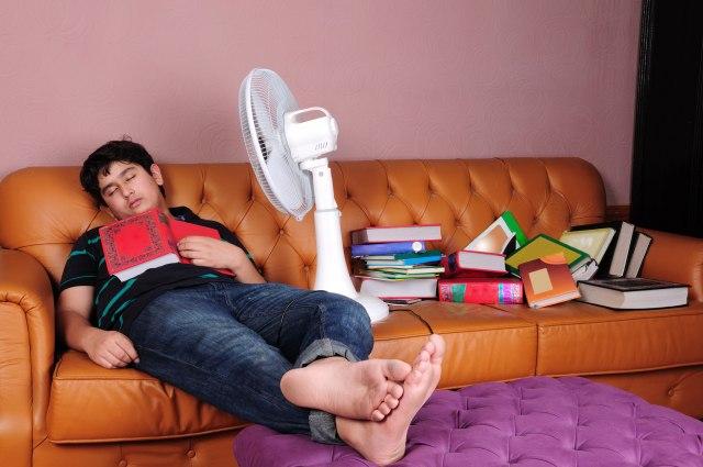 Zašto nije preporučljivo da spavate sa uključenim ventilatorom?