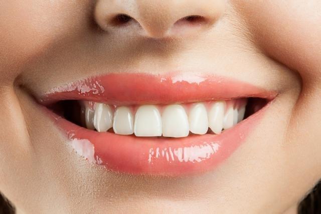 Evo koje sve namirnice uništavaju naše zube