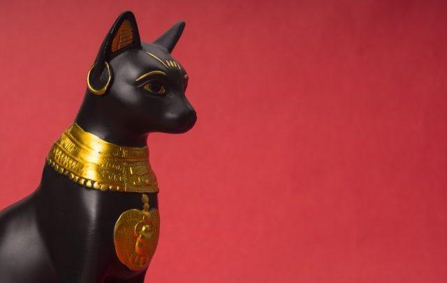 egipatska macka crna statua