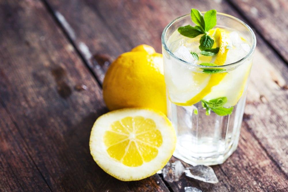 Svako jutro uz limun i toplu vodu