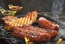 meso kobasice hrenovke na zaru kuhanje pecenje