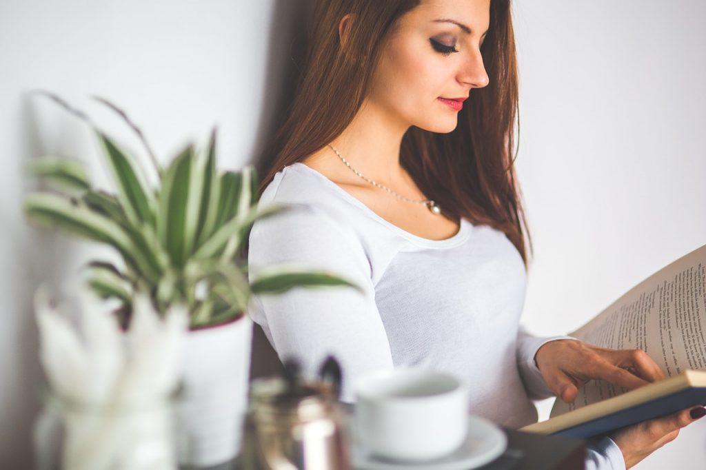 Neophodne stavke za savršen kutak za čitanje u Vašem domu