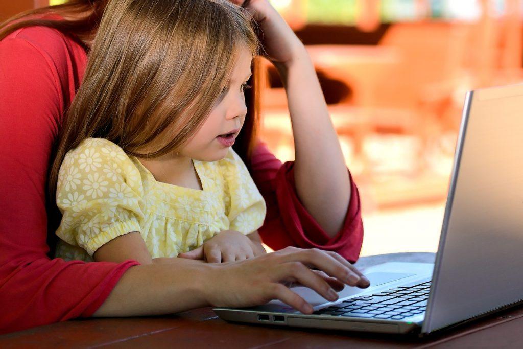 Kako odvojiti decu od kompjutera?
