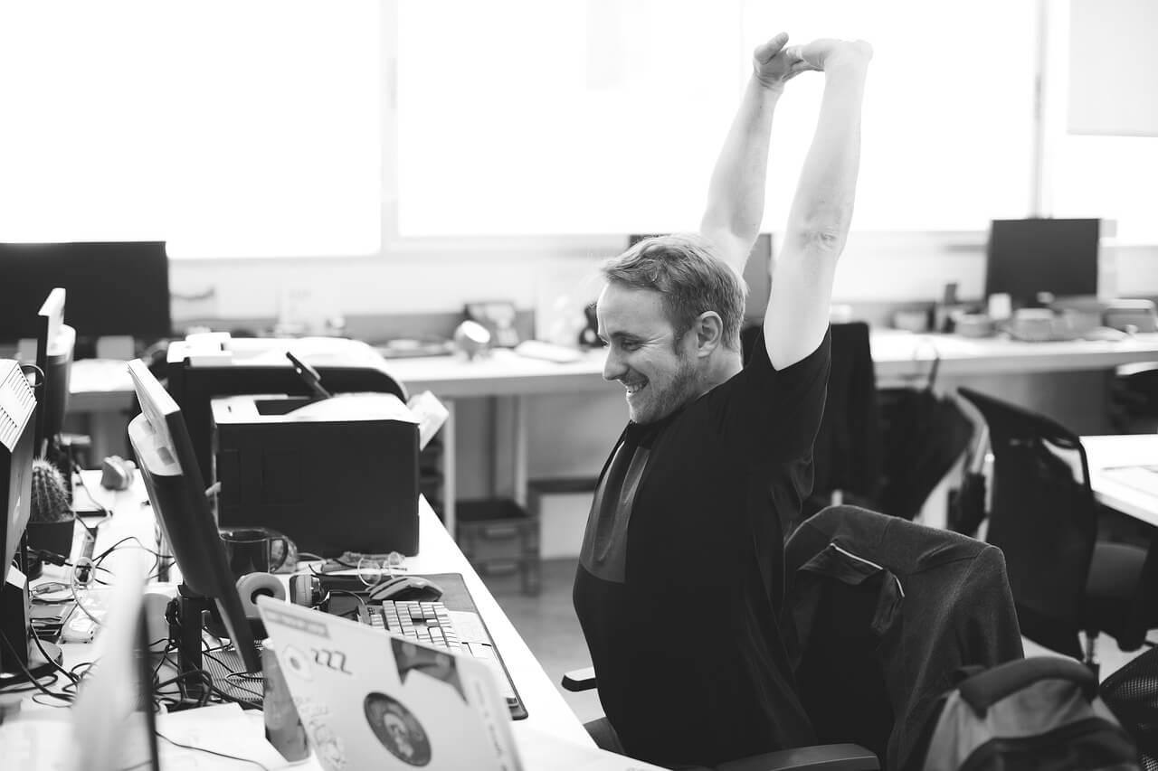 Vježbe koje vam mogu pomoći prilikom dugog sjedenja u kancelariji